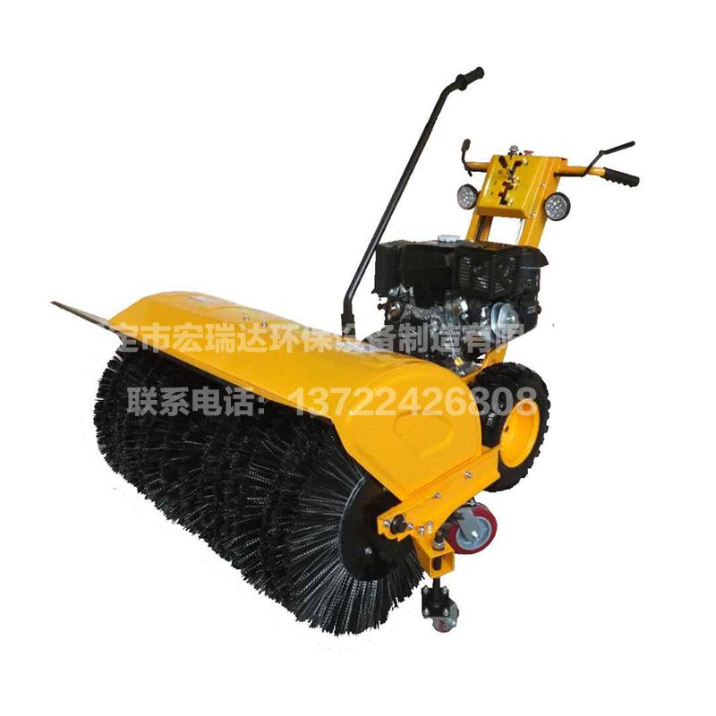 13马力一米摩擦式扫雪机