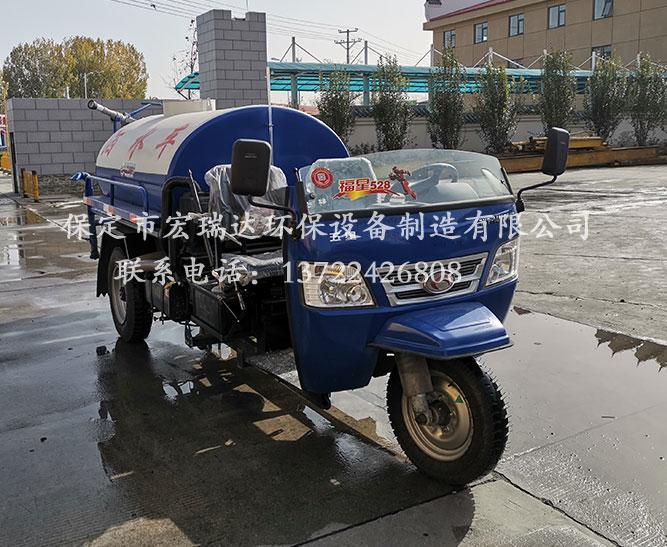 沈阳净化设备制造厂使用保定宏瑞达柴油洒水车案例