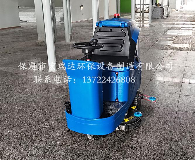 山西吕梁酒店建设使用保定宏瑞达驾驶式洗地机进行地面清洁