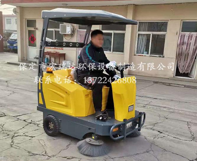河南商丘铸造厂使用保定宏瑞达1550电动扫地车案例