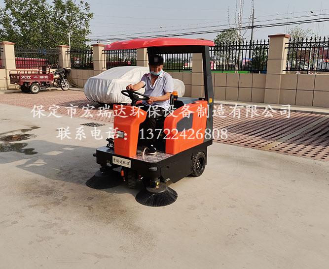 山东聊城殡仪馆使用保定宏瑞达电动扫地车案例