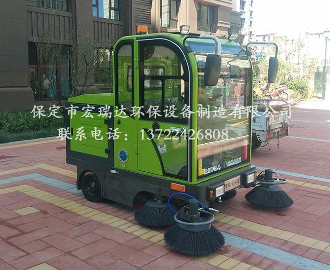 天津西青小区使用保定宏瑞达电动扫地车案例