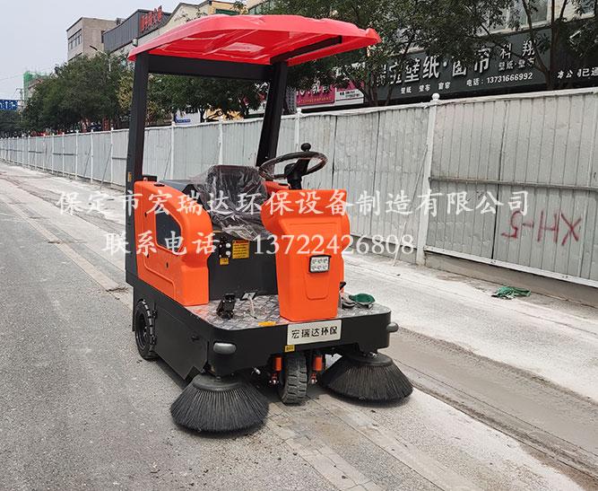 天津建筑工地使用保定宏瑞达驾驶式扫地车案例